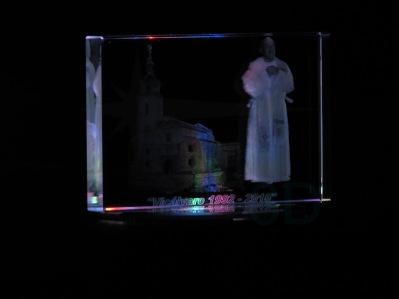 Personalización prisma 120x81x19 2D/3D jubilación párroco. Customization prism 120x81x19 2D/3D retirement priest.